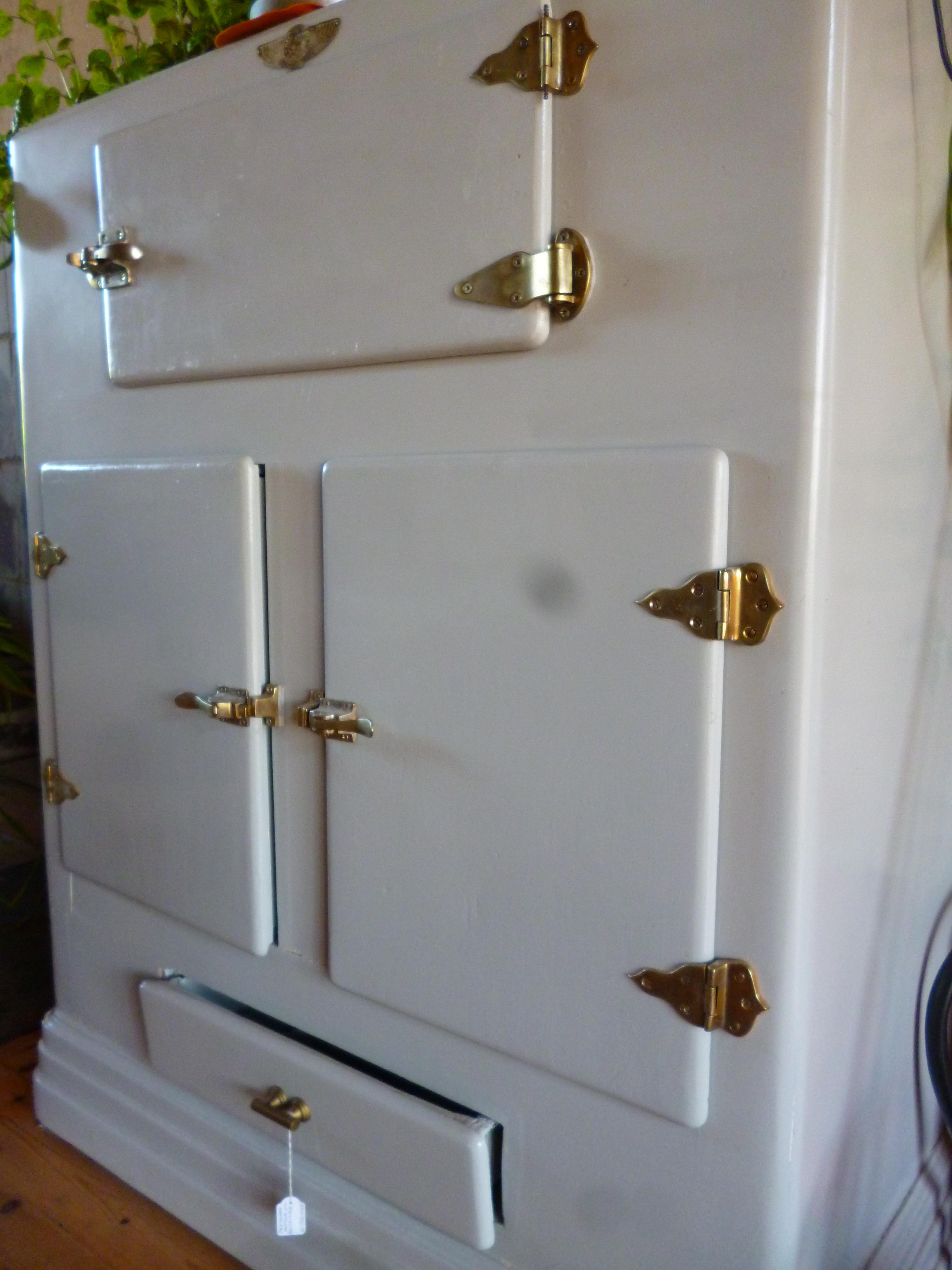 Nevera barra fresquera antigua mobiliario interiorismo for Alquiler muebles vintage